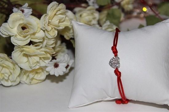 Браслет красная нить с подвеской в виде сердечка - фото 26337