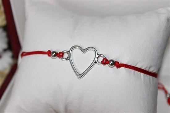 Браслет красная нить с подвеской (серебро) в виде сердца - фото 27915