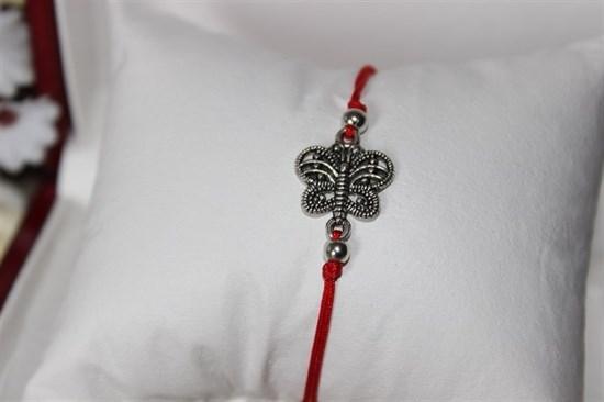 Браслет красная нить с подвеской (серебро) в виде бабочки - фото 27944
