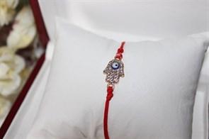 Красная нить  рука с глазом (золото) (Б10)