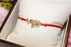 Браслет красная нить с подвеской  в виде слона  (золото)