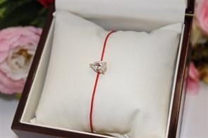 Браслет красная нить с подвеской в виде капли  (Золото)