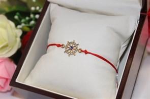 Браслет красная нить с подвеской в виде штурвала  (Золото)